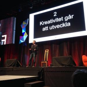 Kreativtet går att utvecklar, säger Teo Härén bestämt.
