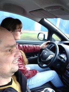 Christian och Hanna provar elbil, Nissan Leaf