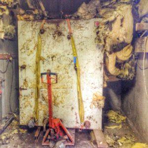 Pannbyte - Gamla ackumulatortanken monteras ned