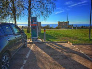 http://blogg.sundhult.com/wp-content/uploads/2017/06/Elbil-Laddar-vår-Nissan-Leaf-vid-Brahehus