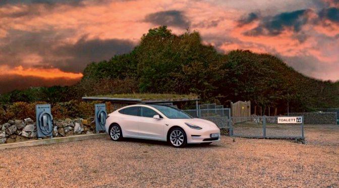 Vi har valt att ha råd med en Tesla