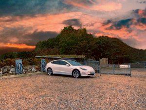 Tesla Model 3 SR+
