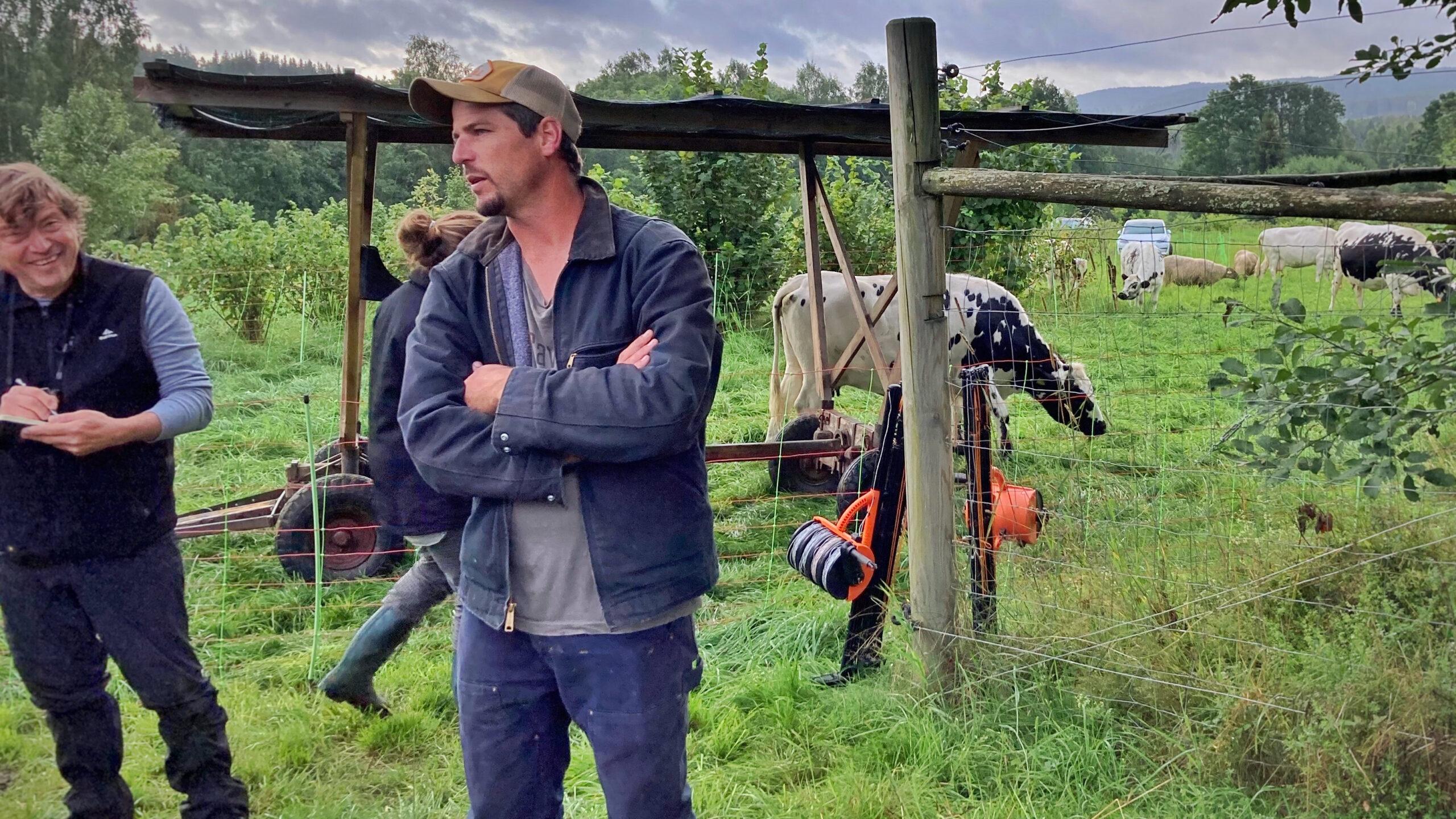 Richard Perkins pratar stängsel och solskydd för betesdjur