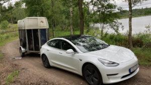 Tesla Model 3 LR AWD med släp